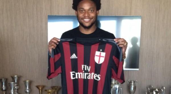 Luiz Adriano Siap Antarkan Milan Tembus Eropa Dengan Jersey No.9