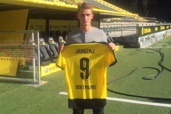Dortmund pinjam Januzaj dari Manchester United