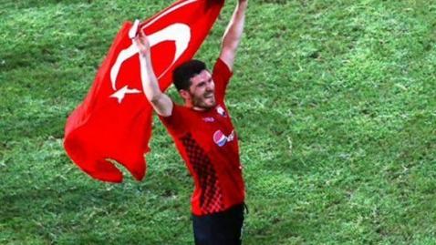 Seorang Jurnalis Sepakbola Tewas Akibat Amuk Suporter