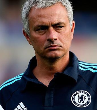 Jose Mourinho Butuhkan Pemain Belakang Agar Chelsea Kembali Juara