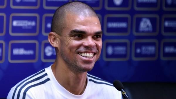 Pepe Perpanjang Kontrak Ikuti Jejak Ramos