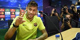 Neymar di kaitkan dengan MU , sang agen : Neymar betah di Barca