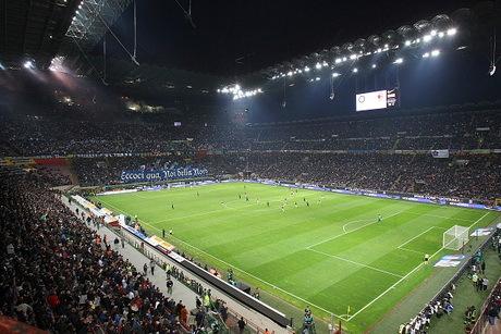 Berlusconi: Milan Akan Tetap Bermarkas di San Siro