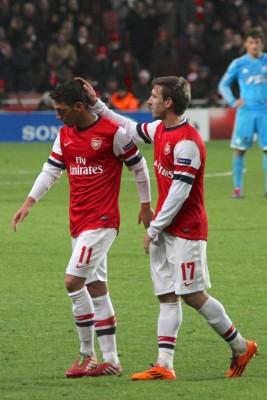Kontrak Ozil dan Nacho Diperpanjang Arsenal