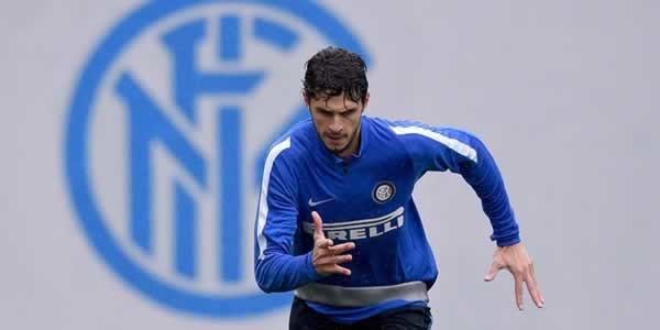 Jurgen Klopp dekati bek Inter Milan Andrea Ranocchia