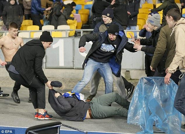 Pihak UEFA Menginvestigasi Fans Dinamo Kiev Yang Diduga Rasis