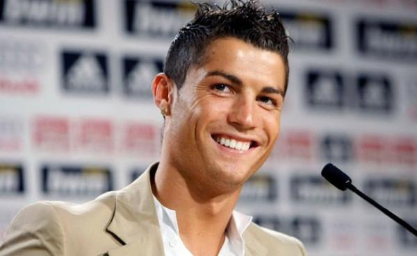 Manchester United siap pecahkan rekor transfer untuk boyong Ronaldo kembali