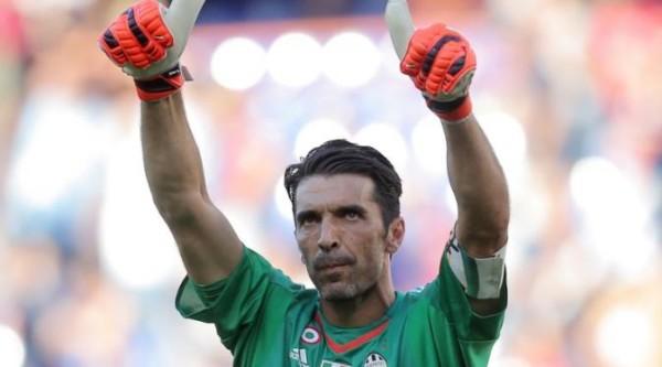 Tak Ada Nama Buffon di Ballon d'Or 2015, Maldini Heran