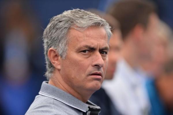 Carlo Ancelotti : Mourinho Tidak Akan Dipecat