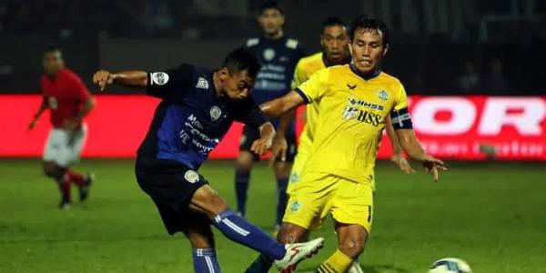 Cetak Hat-trick, Samsul Arif Persembahkan untuk Anak Istri