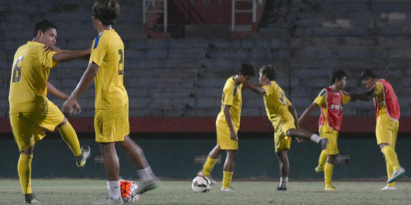 Krisis Bek Tengah Tengah Dialami Surabaya United