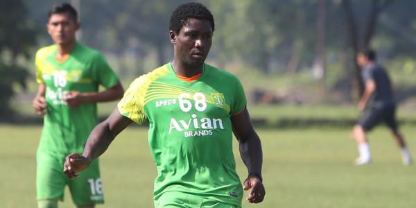 Emile Mbamba Harap Agar Surabaya United Lunasi Utangnya