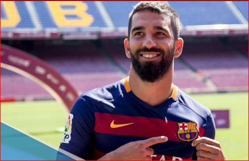 Enrique Sebut Turan dan Vidal Sudah Ingin Membela Barcelona
