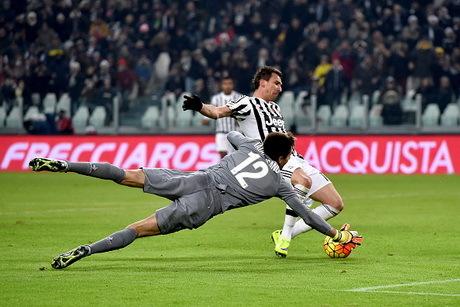 Juventus Kalahkan Fiorentina 3-1