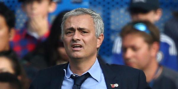 Mourinho Sebut Tak Ada Kontak Dengan Valencia