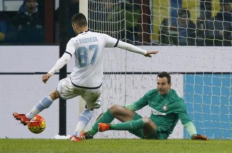 Sepasang Gol Candreva Bawa Lazio Kalahkan Inter