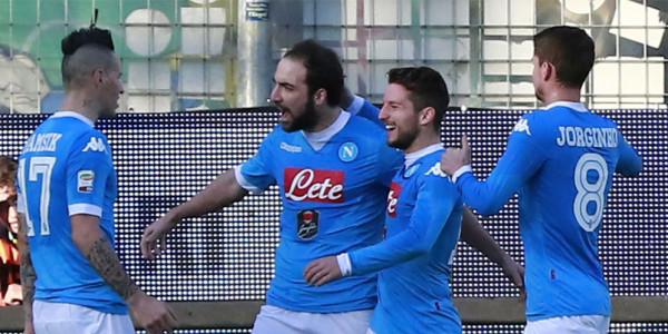 Napoli Juara Paruh Musim Serie A 2015/16
