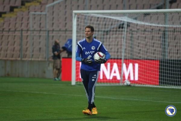 Begovic Dipilih Mourinho Saat Chelsea Lawan Everton