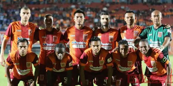 Jokowi Terima Jersey, Ini Komentar Pusamania Borneo FC