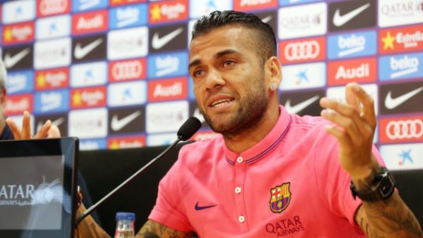 Alves: Kami Akan Terus Kejar Trofi