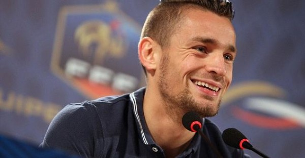 Akhirnya AS Roma Berhasil Merekrut Mathieu Debuchy