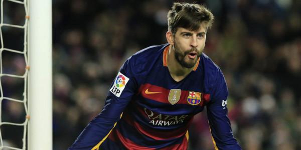 Gerard Pique, Defender Tajam Barcelona