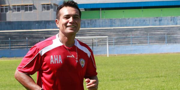 Pelatih Kiper Arema Cronus Dikabarkan Mengundurkan Diri
