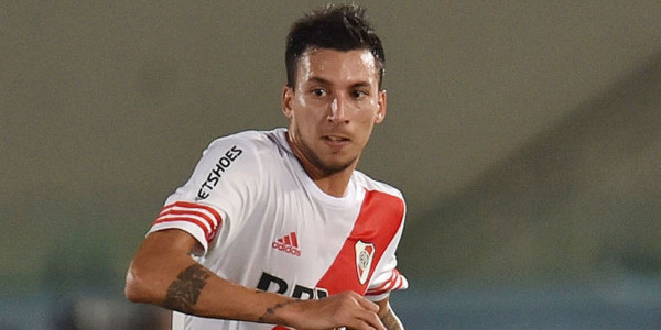 River Plate: Milan Inginkan Vangioni
